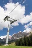 Skilift - Mast gegen den Himmel in Südtirol