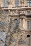 Louvre vor alter Fassade