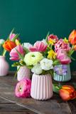 Fototapeta Tulipany - Froehliche bunte Blumen © scerpica