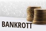 Konzept Bankrott / Finanzen im digitalen Zeitalter - 244939718