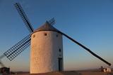Molino de viento - 244997722