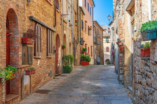 Fototapety, obrazy : Beautiful alley in Tuscany, Old town, Italy