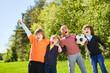 Leinwandbild Motiv Kinder jubeln als Freunde und Fußball Team