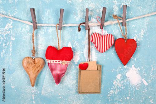romantische herzen zum Valentinstag - 245949366