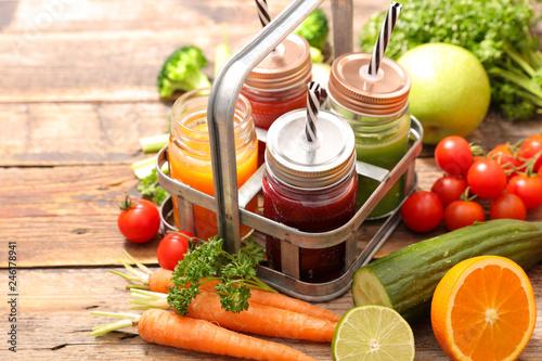 Leinwandbild Motiv fruit and vegetable smoothie, juice