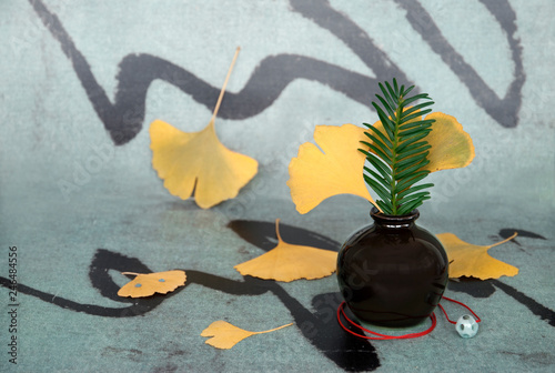 Ginkgo leaf on chinese background © tiantan
