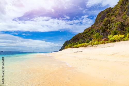 Black Island Beach - 246556314