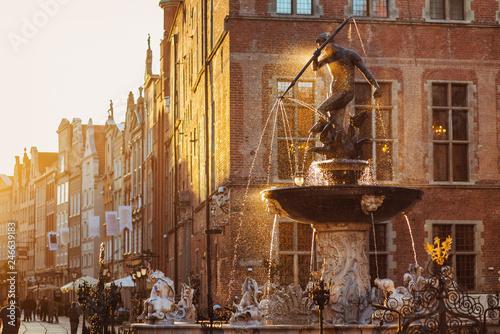 fototapeta na ścianę Poland, Gdansk, Famous Neptune fountain at sunset . Famous travel destination in Europe
