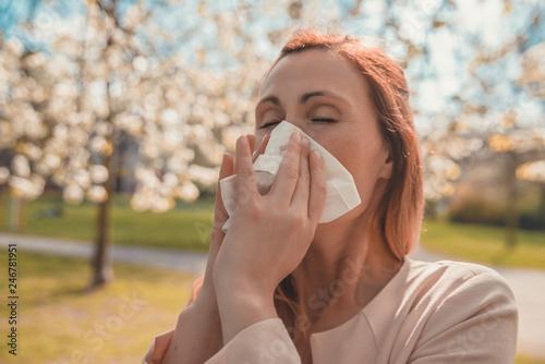 Leinwandbild Motiv allergie im frühling