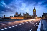 Blick von der Westminster Brücke auf das Parlamentsgebäude und den Glockenturm Big Benn
