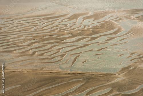 vue aérienne de la Baie de Somme en France © Francois