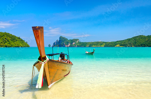 Leinwanddruck Bild Longtail boats on the Loh Dalum beach, Phi-Phi Don island, Thail