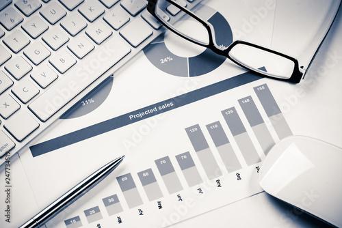 Leinwandbild Motiv Preparing average sales report