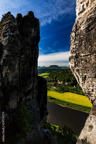 Leinwanddruck Bild Basteibruecke bei Rathen, Nationalpark Saechsische Schweiz, Elbsandsteingebirge, Sachsen, Deutschland