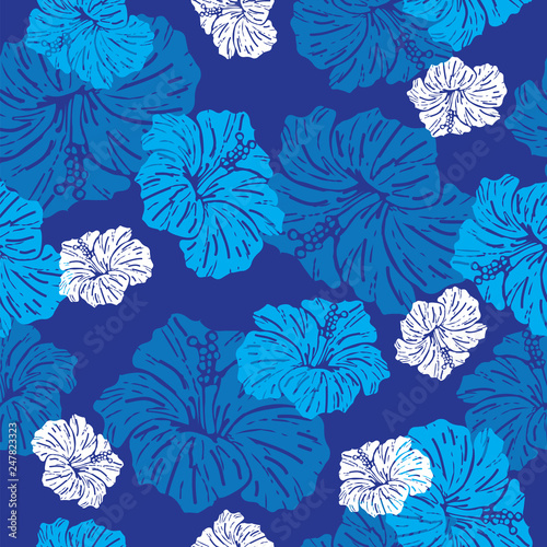 Seamless pattern with hibiscus flower © VectorJade