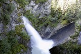 Cascata in montagna - 247932795