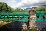 Fototapeta Natura - Schottland - Fort William - River Lochy - Soldiers Bridge © Uwalthie Pic Project