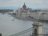 Il parlamento, il Danubio ed il ponte - 248131703