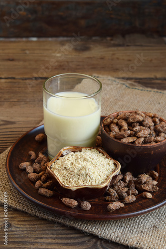 Chufa milk and tigernut flour. Alternative type of milks. Vegan non-dairy milk. Lactose-Free Milk and Nondairy Beverages. Lactose intolerance. Gluten free. Grain free. Healthy food. Superfood. © Oksana_S
