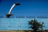 Sprungturm in blau in Havanna Kuba,
