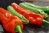 Paprika und Zucchini - 248413126