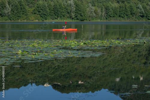 Canoe in Fimon lake © Nick