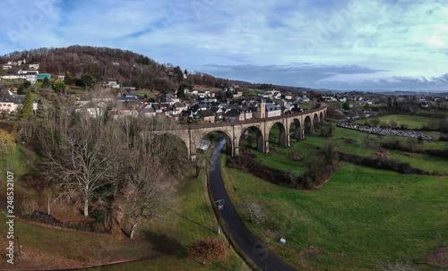 Vignols (Corrèze - France) - Vue aérienne du village et du viaduc
