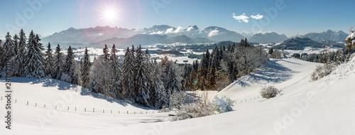 fototapeta na ścianę Panorama Landschaft in Bayern bei Füssen im Winter