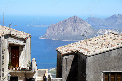 Foto Murales view from Erice, a medieval village close to Trapani in Sicily