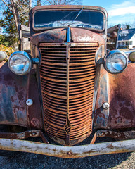 Rusty grille to vintage automobile vehicle car