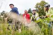 Leinwanddruck Bild - Gruppe Senioren auf einer Radwanderung