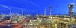 Leinwandbild Motiv refinery plant at night  // Panorama Nachtaufnahme Industrieanlage Raffinerie - industrielle Gebäude