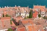 Blick vom der Kirche der heiligen Euphemia auf Wohnhäuser in der Altstadt von Rovinji auf der Halbinsel Istrien in Kroatien.
