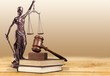 Leinwanddruck Bild - Justice Scales and books and wooden gavel on table. Justice concept