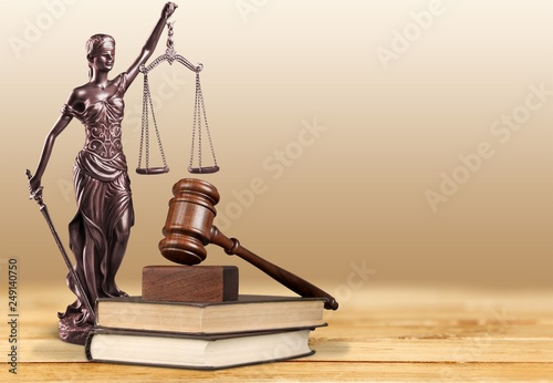 Leinwanddruck Bild Justice Scales and books and wooden gavel on table. Justice concept