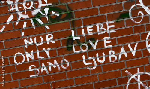 Nur Liebe Graffito