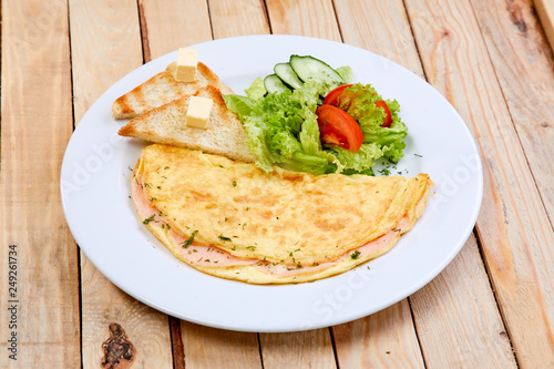 Foto Murales omelet with salad
