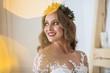 Quadro Beautiful blonde bride posing in luxury wedding dress