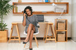Quadro Happy businesswoman talking on phone