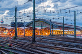 Hauptbahnhof zu Köln am Rhein - 249670368
