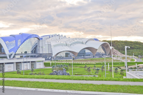 mata magnetyczna Vladivostok, The building of the Primorsky Aquarium on the Russky island