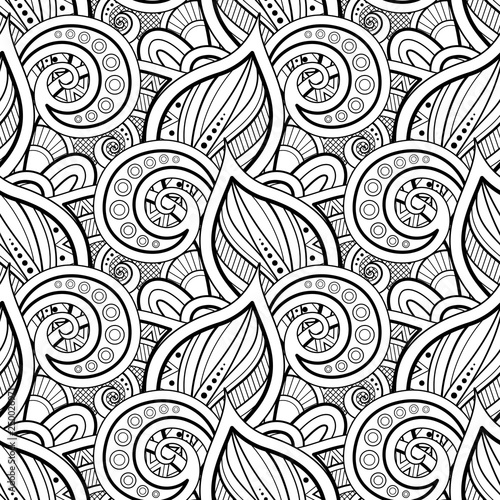 Monochrome Seamless Pattern with Floral Motifs © irinakrivoruchko