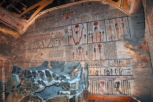 Egypt Luxor Valley of the Kings Tombs Faranon - 250033719