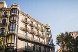 Immeuble dans la ville de Barcelone, Espagne - 250069141