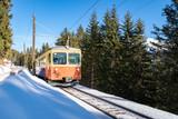 Die Mürrenbahn oberhalb von Lauterbrunnen