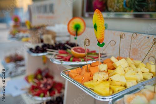 Ananas Buffet buffet - frutta - ananas - melone | buy photos | ap images | detailview