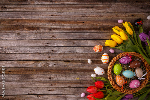 Easter eggs with tulips - 250233335