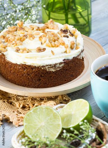 walnut cake - 250939723