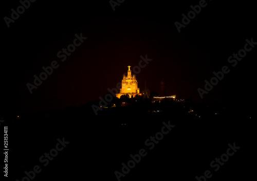 mata magnetyczna Temple of the Sacred Heart on Tibidabo Mountain in Barcelona