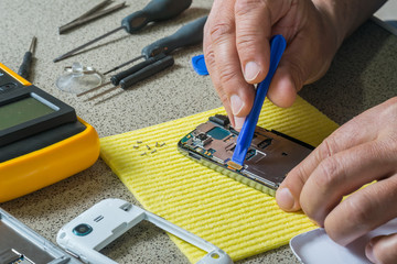Cell phone test and repair